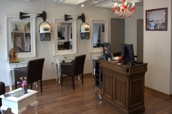 mon coiffeur ma famille exclusif sonia briand tel 02 40 22 59 83 shopping saint nazaire. Black Bedroom Furniture Sets. Home Design Ideas